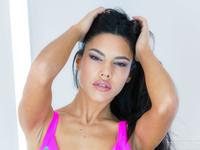 Apolonia Lapiedra | Horny Bikini Chica